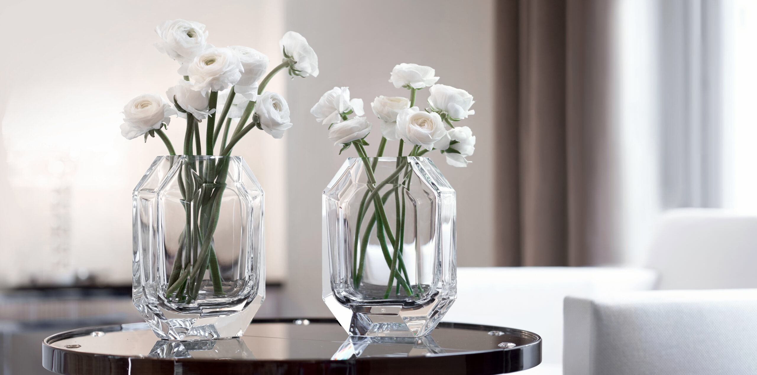 Fresh point: top 10 vases for summer bouquet